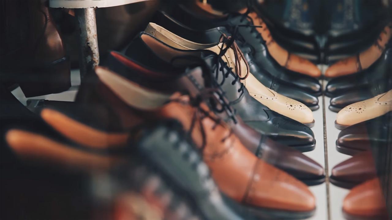 Zimowe buty, które pasują do garnituru