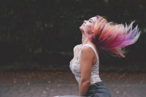 Jak sprawdzić porowatość włosów?